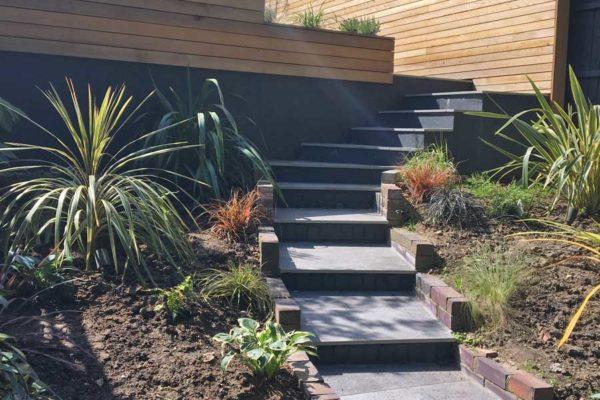 Tiered garden in Highgate, 11