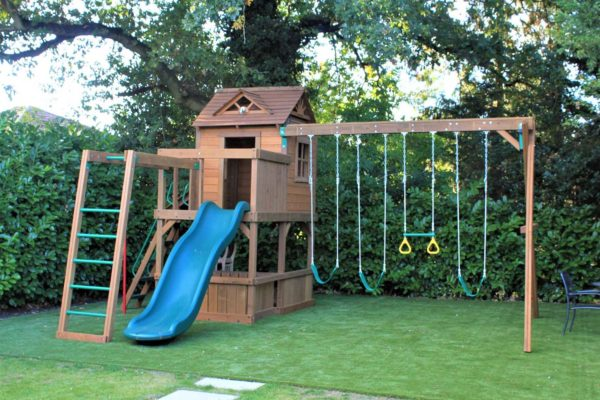 Artificial lawn for children's play area
